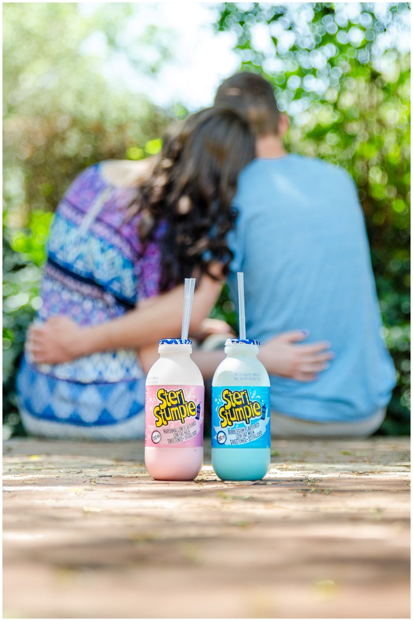 Couple photography with milkshakes in nature