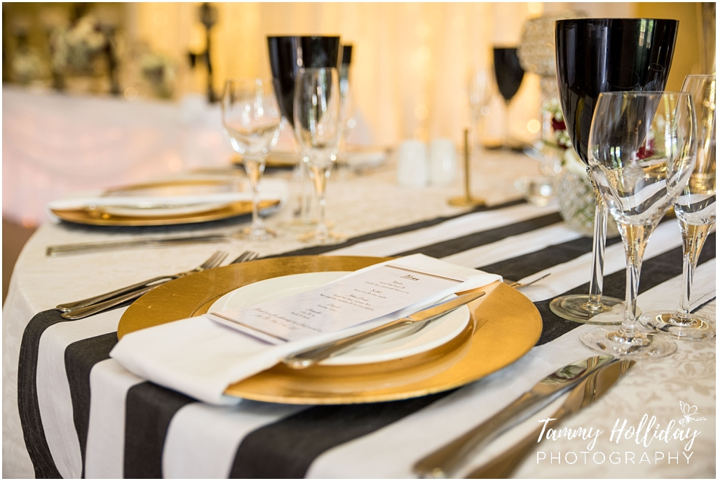 elegant gold black and whit decor