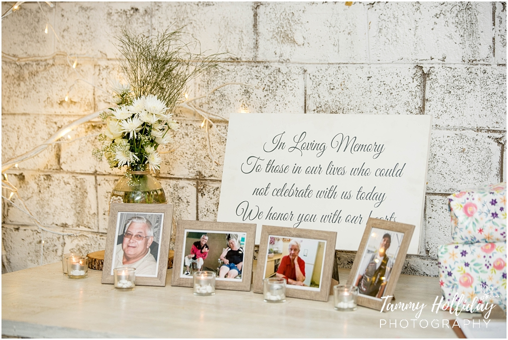 ideas for in the memory of table at a wedding