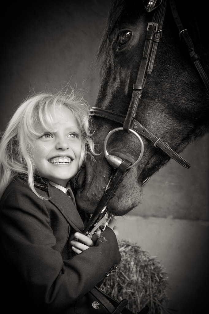 portrait shoot, childrens portrait photography, horse photos, benoni photographer, crystal ridge, child photographer, animal photography, child and animal poses