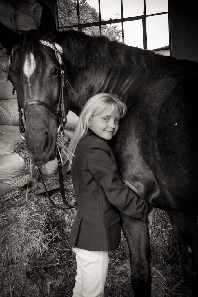 portrait shoot, childrens portrait photography, horse photos, benoni photographer, crystal ridge, child photographer, animal photography, child and animal poses