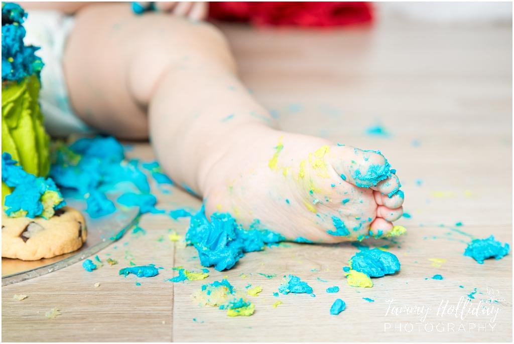 cake smash cake feet kempton photographer studio shoot